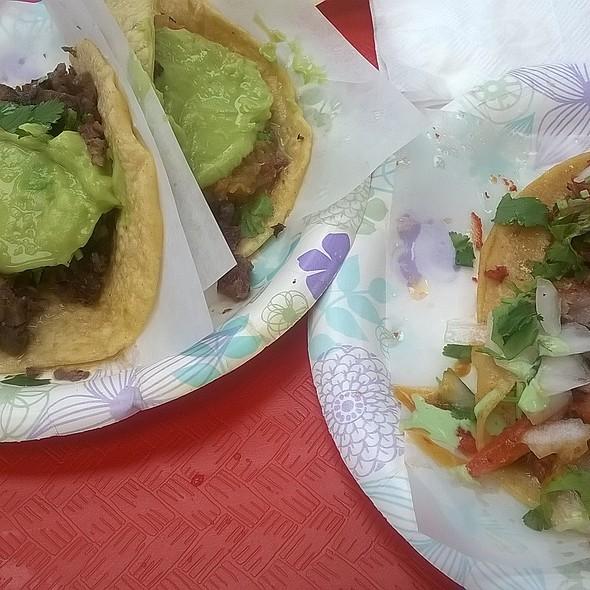 Carne Asada Tacos With Guacamole @ Tacos El Gordo De Tijuana Bc