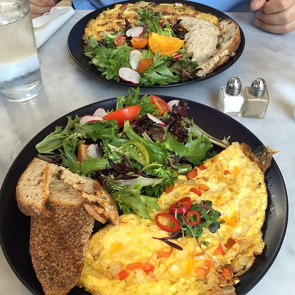 Beautiful Omelettes @ The Collins Quarter Cafe