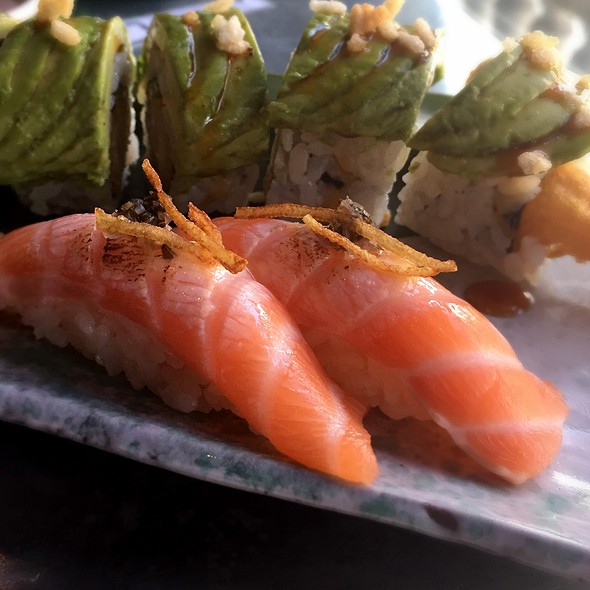 Salmon Sushi With Bernaise And Fries