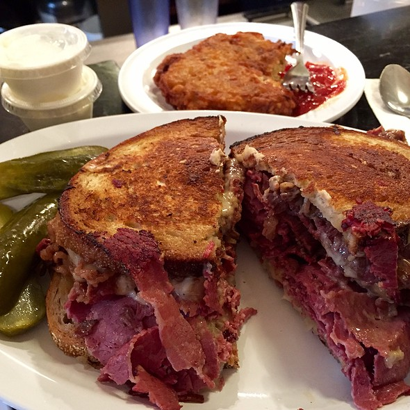 Combo Reuben (Corned Beef & Turkey) @ Eisenberg Sandwich Shop