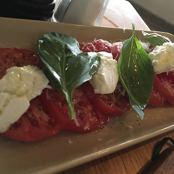 Heirloom Tomatoes @ Piknik