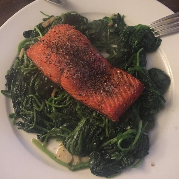 Salmon With Sauteed Spinach @ Casa De Chai