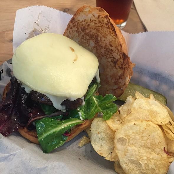 Burger @ Five Dot Ranch