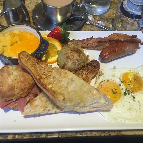 Breakfast Platter @ Blue Talon Bistro