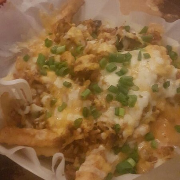 Jambalaya Cheese Fries @ Clesi's