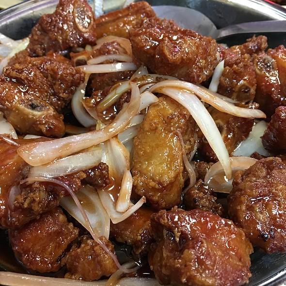 Mandarin Spareribs @ Tasty Wok