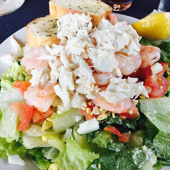 Seafood Salad Vegetables goodies mixed with seafood goodies, very simple yet delicious @ Bistro Byronz