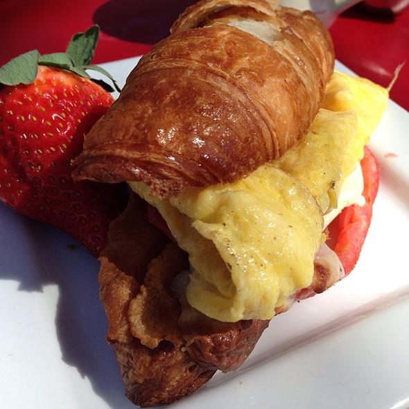 Breakfast Sandwich @ Tarte