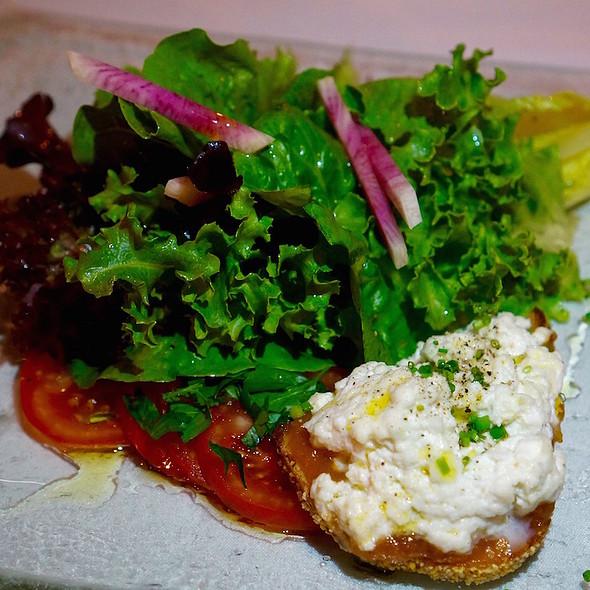Beautiful Salad @ Restaurant Naha