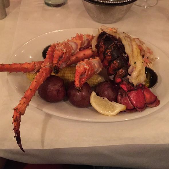 Alaskan King Crab Legs @ Fulton's Crab House