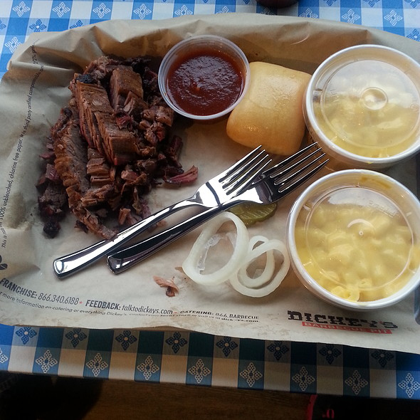1 Meat Plate @ Dickey's Barbeque Pit