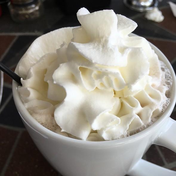 Hot Chocolate @ Le Cafe de Paris