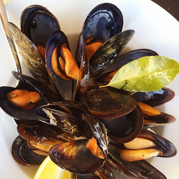 Steamed Gallician Mussels @ Recuncho Celta
