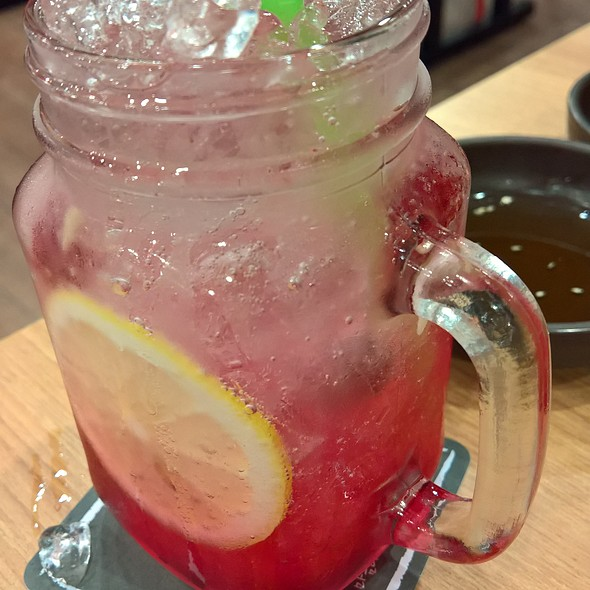 Berry Lemonade @ Tudari @ The Promenade