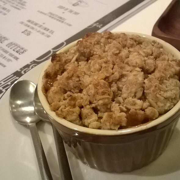 Apple Crumble @ Hit The Road