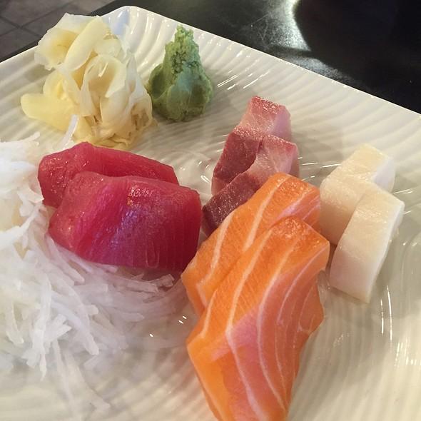 Sashimi @ Harumi Sushi