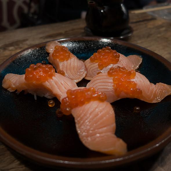 Salmon & Ikura Nigiri