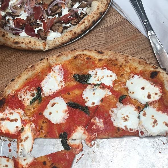 Margarita And Speckenwolf Pizza @ Roberta's