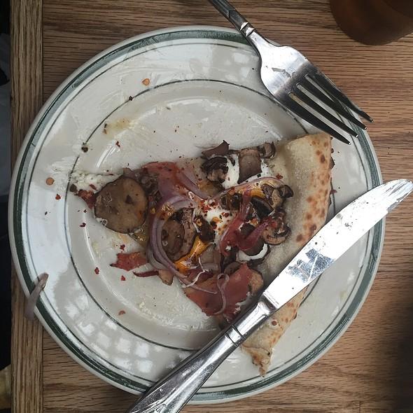 Speckenwolf Pizza @ Roberta's