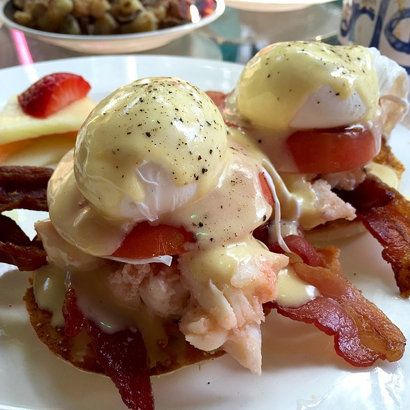 Lobster Benedict @ Blue Heaven Key West