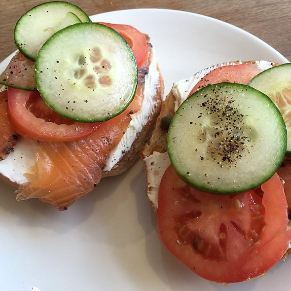 Norsk Bagel @ Cafe Ub