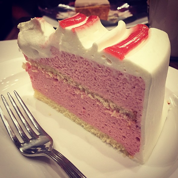 Strawberry Mousse Cake @ Harbs