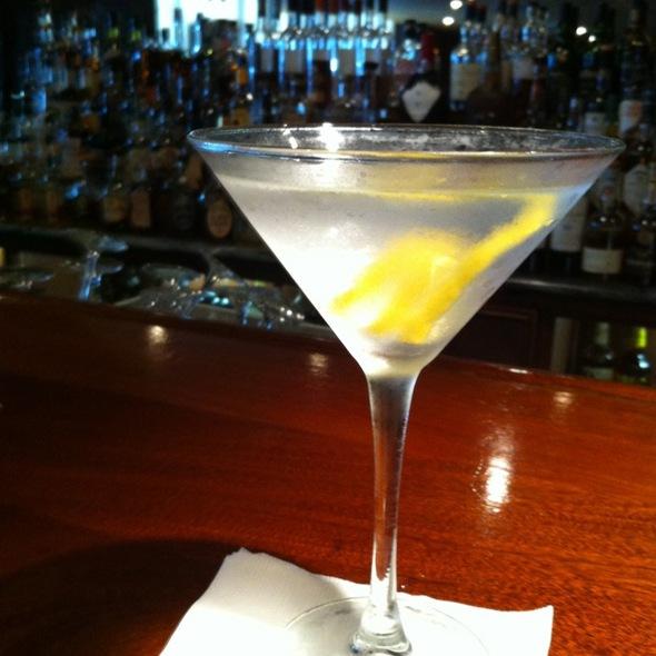 Dry Martini @ Sealbach Bar