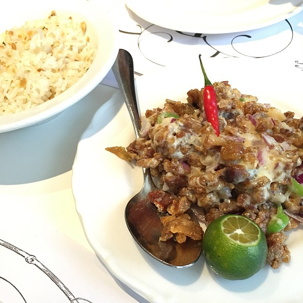 Sisig @ Relish Hello, Happiness