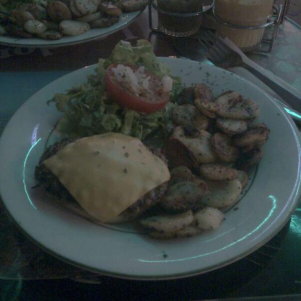 Cheeseburger @ Dog's Café