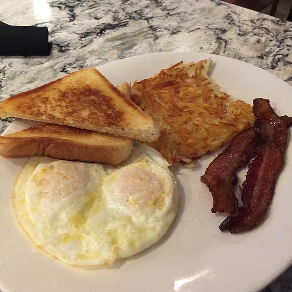 Breakfast - Lord Fletcher's, Spring Park, MN