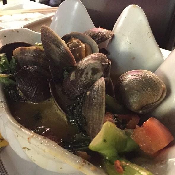 Manilla Clams @ Uncle Bo's Pupu Bar & Grill
