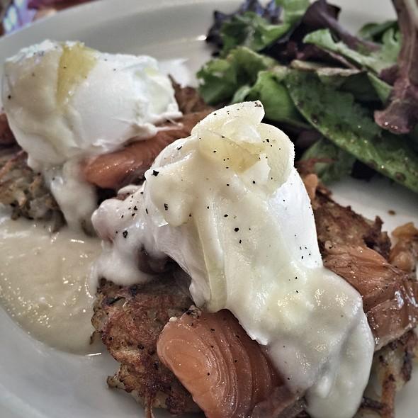 salmon eggs benedict @ Cream Pot
