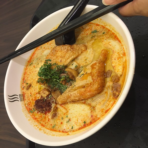 laksa @ Food Village (Takashimaya Foodcourt)
