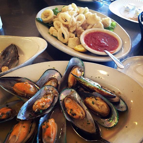 New Zealand Mussels @ Pasta Pomodoro