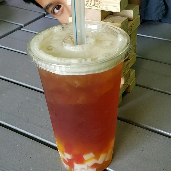 Mango Green Tea With Rainbow Jelly  @ Phusion
