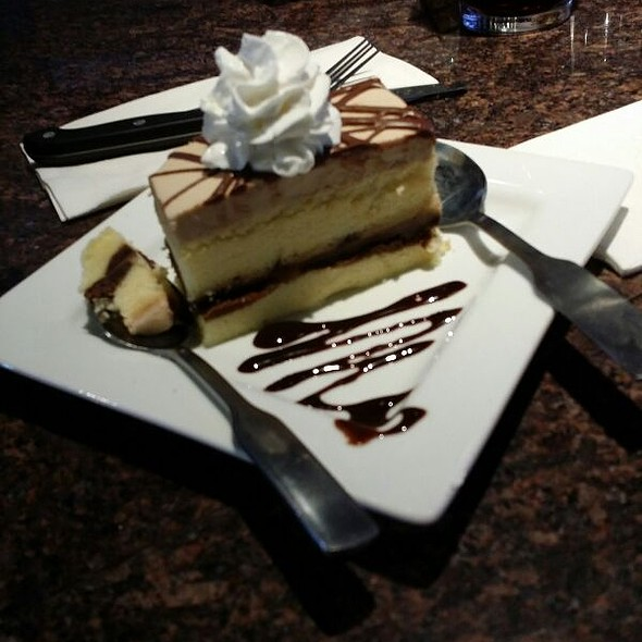 Rootbeer Float Cake @ Red Robin Centennial