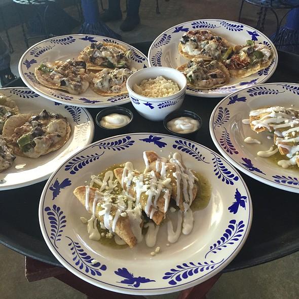 Dorados Verdes - Chicken With Tomatillo Salsa, Bistec-Grilled Chop Beef @ La Gloria Ice House