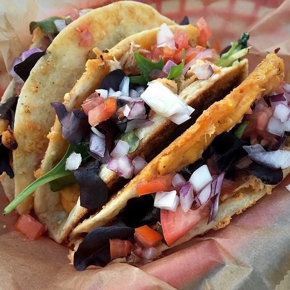 Chicken Tacos @ Kabanas
