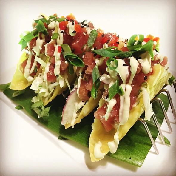 Poke Tacos @ Tommy Bahama Restaurant Waikiki
