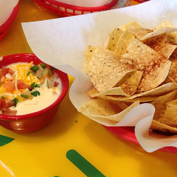 Chips And Queso @ Fuzzy's Taco Shop