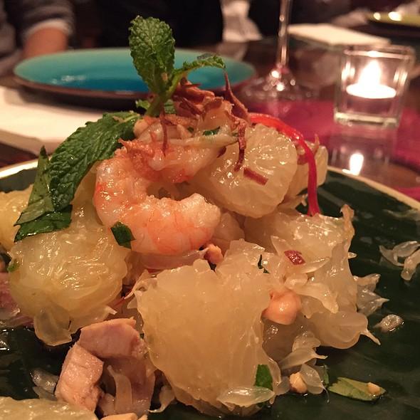 Pomelo & Shrimps Salad @ Cyclo