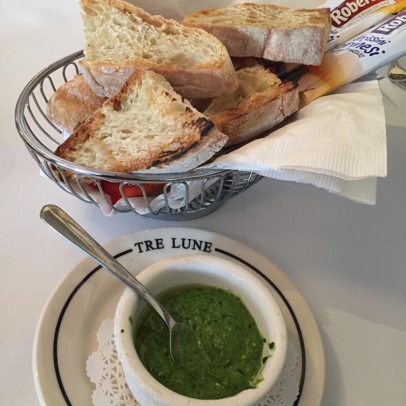 Bread Basket - Tre Lune, Santa Barbara, CA