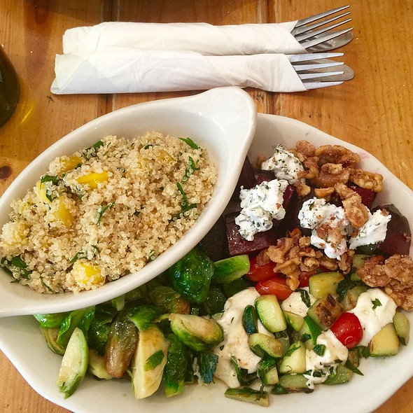 Brussels Sprouts, Zucchini W Mozzerella & Tomatoes, Beets W Goat Cheese & Walnuts, Quinoa W Mango Mint Pineapple