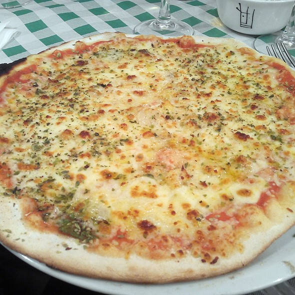 Four Cheese Pizza @ L'Angolo Der Grillo