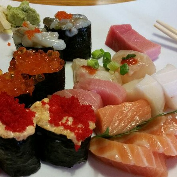 Assorted Sashimi & Sushi @ Oishii Restaurant