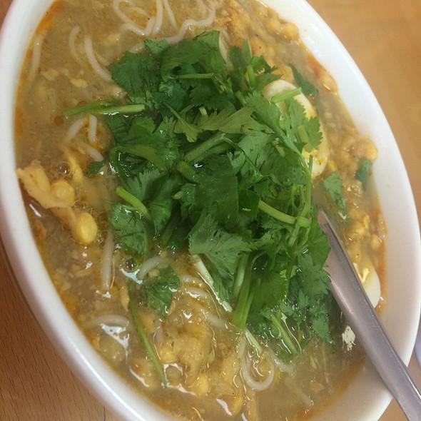 Fishball Noodle Soup @ Kyain Kyain - Main Main Kyay Oh