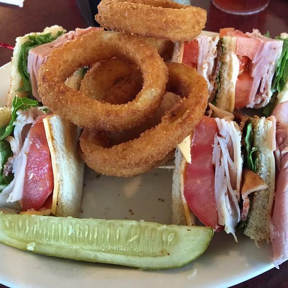 Club Sandwich @ Cafe Marizon