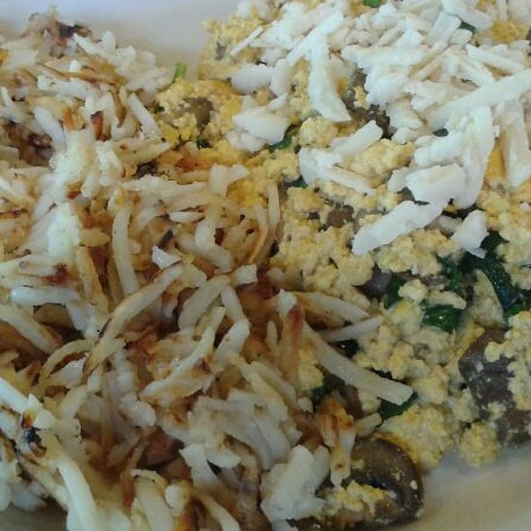 Scrambled Tofu With Mushrooms And Spinach @ Seven Mile Cafe
