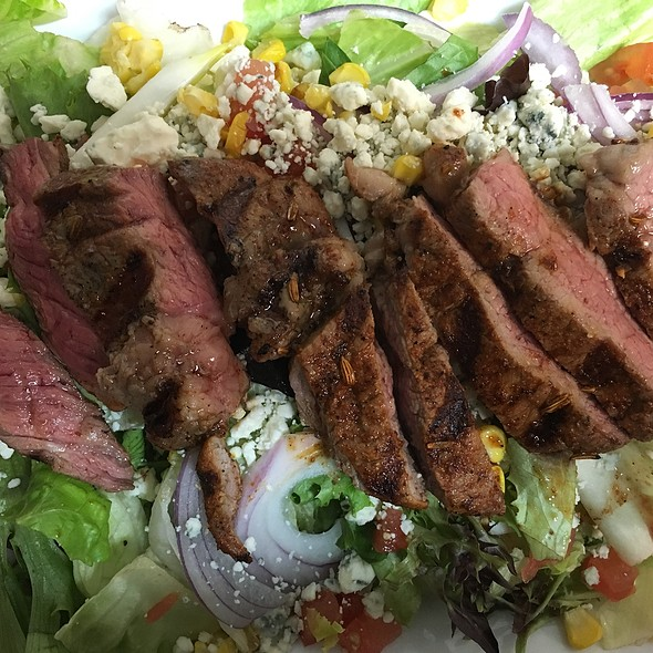 Steak Salad - Nevin's Brewing Company, Plainfield, IL
