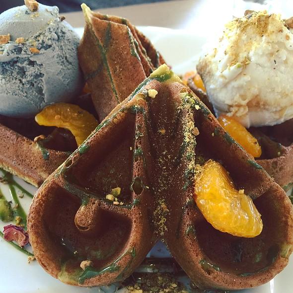 Minaro Waffle @ The Owls Cafe